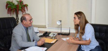 Presidente da FLEM apresenta Programa Primeiro Emprego no Legislativo feirense