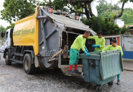 Coleta de lixo em Ilhéus
