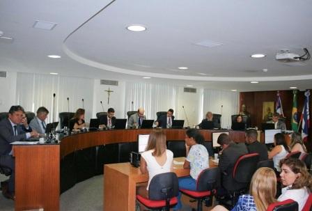 TCE aprova contas de unidade da Sesab, mas multa dois ex-gestores