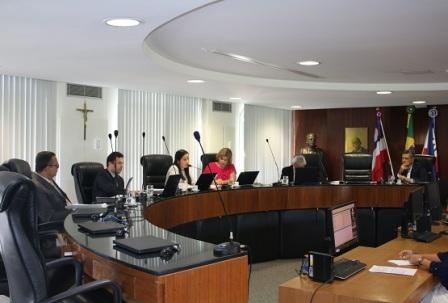 Primeira Câmara do TCE imputa débitos de R$ 277 mil a três ex-gestores