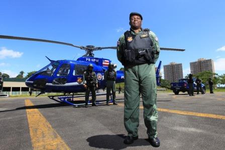 Policiais que reduziram a criminalidade são premiados pelo Governo do Estado
