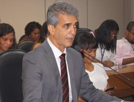 Deputado estadual Robinson Almeida