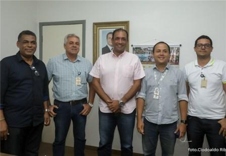 Prefeito discute Plano de Saneamento de Ilhéus com representantes da Embasa