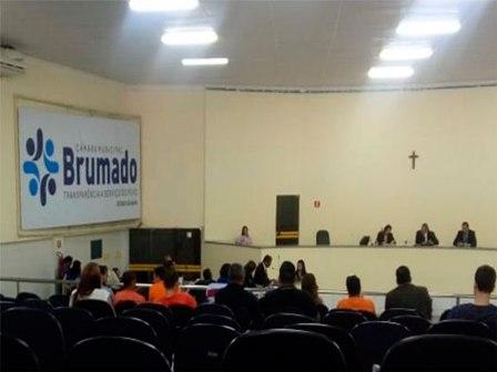 Projeto autoriza Prefeitura celebrar empréstimo de R$ 5 milhões para instalação de sistema de energia solar nas escolas