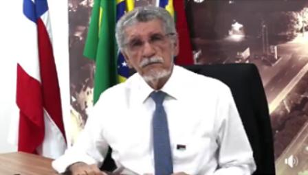 Prefeito de Conquista anuncia contratação de ônibus e sem cobrança de tarifa até outra empresa assumir