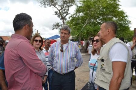 Colbert pede aos moradores de Tiquaruçu que redobrem a atenção para prevenir que o mosquito aedes aegypti se reproduza