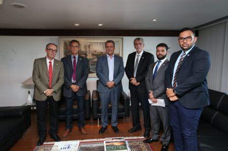 Herzem Gusmão se reúne com Rui Costa e propõe parcerias