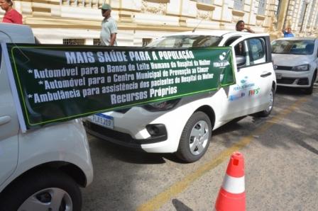 Colbert Filho entrega quatro veículos novos para reforçar a frota da saúde