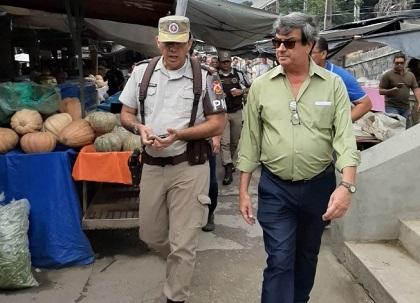 Prefeito de Feira anuncia medidas de segurança no Centro de Abastecimento