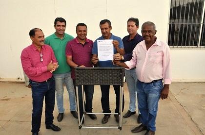 Ordem de serviço para ampliação do prédio da Prefeitura de Barreiras é assinada