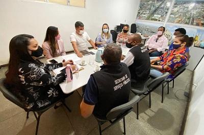 Prefeitura de Feira integra atuação de secretarias para atender acumuladores compulsivos