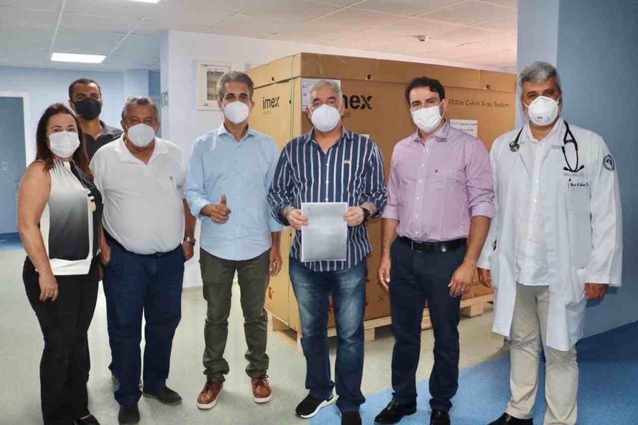 Deputado entrega Arco Cirúrgico e anuncia mais de R$ 1 milhão de emenda para o Hospital Dom Pedro