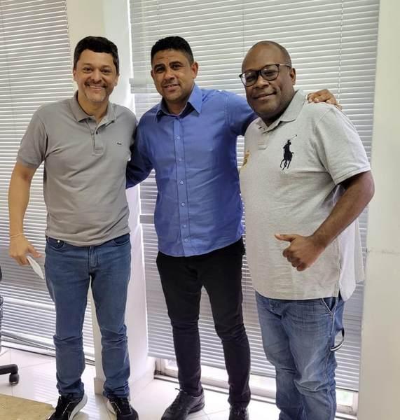 Jean Sacramento, Pastor Tom e Uziel Couto