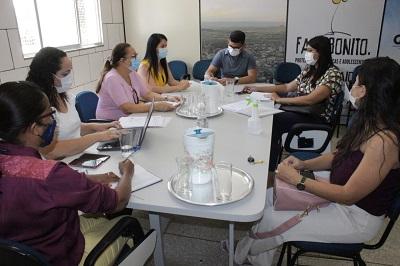 Prefeitura de Guanambi estuda implantação de Centro de Referência no Atendimento às Mulheres