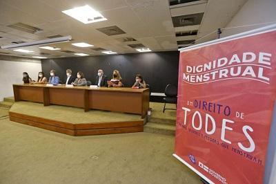 Projeto Dignidade Menstrual deve atender 206 mil estudantes da rede pública estadual
